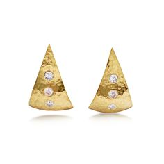 Bespoke pair of hammered effect 18ct yellow gold triangular-shaped 'sail' earrings, with six brilliant-cut diamonds flush-set. Spring clip fittings to the reverse for non-pierced ears.