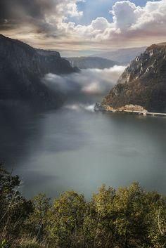 Derdap Gorge, Serbia (byJelena Calasan)༻神*ŦƶȠ*神༺