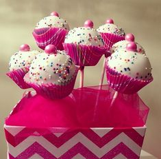 "Put a mini cupcake liner on a cake pop for a easy ""cupcake cake pop""!…These are adorable! Put a mini cupcake liner on a cake pop for a easy ""cupcake cake pop""!…These are adorable! Mini Cupcakes, Cupcake Cookies, Cupcake Cupcake, Cupcake Display, Cake Pop Designs, Cupcake Liners, Macaron, Bake Sale, Savoury Cake"