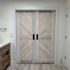 Pin By Judy Reidel On Decor In 2020 Barn Door Barn Doors Sliding Interior Barn Doors