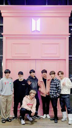 Welcome to Mi Casa~💜 Syafiqah♥ Kim Taehyung, Bts Bangtan Boy, Bts Jimin, Foto Bts, Steve Aoki, Seokjin, Namjoon, K Pop, Boy Scouts