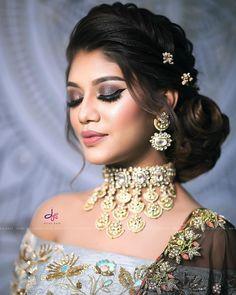 Image may contain: 1 person, closeup - Engagement Indian Bun Hairstyles, Lehenga Hairstyles, Hairstyles For Gowns, My Hairstyle, Bride Hairstyles, Hairstyles Pictures, Hairstyle Ideas, Hair Ideas, Bridal Hairstyle Indian Wedding