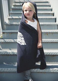 """Midnighter Mantle"" children's hooded blanket"