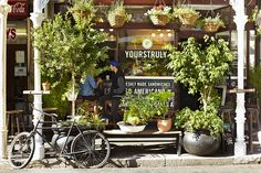 Yours Truly coffee shop, Long St, Cape Town. The most aesthetically pleasing place on Long to grab a quick coffee Cafe Bar, Cafe Restaurant, Coffee Places, Coffee Wine, Small Cafe, Most Beautiful Cities, Shop Interior Design, Cape Town, Decoration