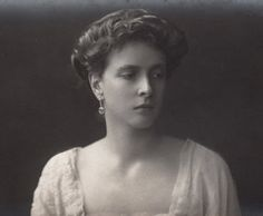 carolathhabsburg:  Princess Andrew of Greece, neé princess Alice of Battenberg, mother of the Duke of Edinburgh. 1910s.