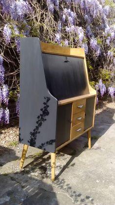 Fifties Style, Fifties Fashion, Armchair, Furniture, Home Decor, Womb Chair, Homemade Home Decor, Home Furnishings, Decoration Home