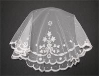 Holy Communion Veil - Bow and Shamrock: Carrickmacross lace