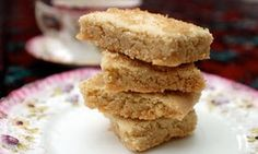 It has a strong claim to the title of greatest British biscuit. What's the best commercial shortbread, and what's your favourite recipe? What's Your Favorite Recipe, Favorite Recipes, Uk Recipes, Cookie Recipes, Recipies, British Biscuits, Delicious Desserts, Yummy Food, Shortbread Recipes