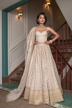 Sabyasachi 2019 Destination Wedding collection consists one two gorgeous lehengas fit for beach wedding and a surprise kid wear lehenga. Indian Bridal Outfits, Indian Bridal Fashion, Indian Designer Outfits, Indian Dresses, Bridal Dresses, Designer Dresses, Indian Wedding Clothes, Indian Wedding Wear, Pakistani Outfits
