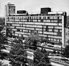La Calzada Melchor Ocampo,  actual Circuito Interior,  cerca del cruce con Paseo de la Reforma en 1967.