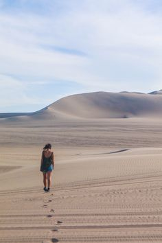 Footprints, Huacachina, Peru