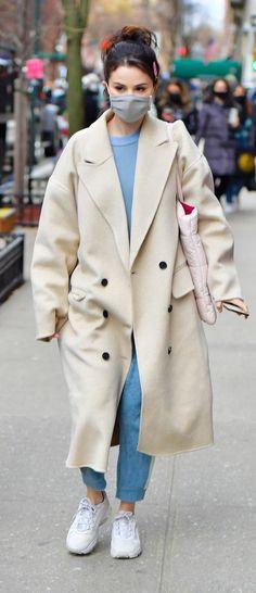 Selena Gomez Style, Street Style, Coat, Jackets, Fashion, Down Jackets, Moda, Sewing Coat, Urban Style
