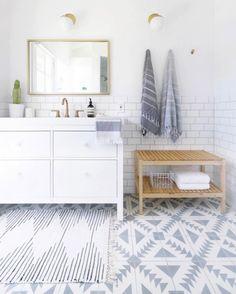 Perfect beyond words. #design #designer #decor #homedesign #designdetails #styling #interiorideas #decor #bathroomdesign #bathroomdecor #bathroomremodel #bathrooms #bathroomtile