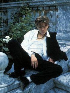 Leonardo DiCaprio at his finest. Leonard Dicaprio, Young Leonardo Dicaprio, Leonardo Dicaprio Shirtless, Beautiful Boys, Pretty Boys, Celebs, Celebrities, Cute Guys, Oeuvre D'art