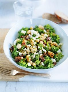 Recipe for kale salad with chicken and figs with ricardo. Kale Salad Recipes, Kale Recipes, Vegetable Recipes, Vegetarian Recipes, Cooking Recipes, Chicken Chickpea, Chicken Salad, Ricardo Recipe, Cocktails