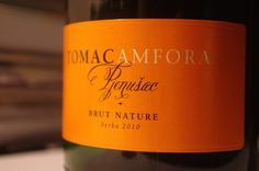 Tomislav Tomac is a small and very ambitioned winemaker in Croatia. His first Brut Nature sparkling vinified in Amphora shows amazing quality. Lot´s of wine with very fine bubbles. Very interesting, astounding elegance, great impact and beautiful length.