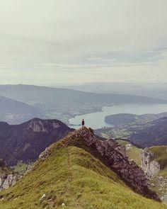 Reposting @samsamcolombo: The Call 🏔️🏞️ (📸 @louna_faihy ) . . . #Landscape #montain #outdoor #training #nature #explore #travel #escape #exploring #trail #instatravel #trekking #walking #traveling #montagne #trailrunning #running #runforever #runforfun #c4c #run #hiking #panorama #hike #alpes #annecy #tournette #RoadToUTMB