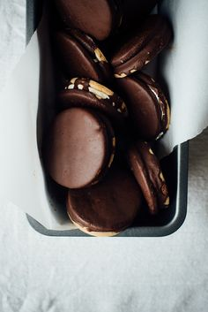(gluten + dairy free) moon pies w/ maple marshmallow crème (recipe) / by dolly | and | oatmeal