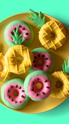 Strawberry cake donuts decorated as watermelons and pineapples using white chocolate. Pink Chocolate, Chocolate Strawberries, French Donuts, Fruit Birthday Cake, Yellow Candy, Pink Foods, Summer Fruit, Cute Cakes, Cake Creations