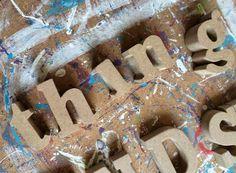 Friendship isn't a big thing it's a million little things @byessay #paint #verf #kleur #color #woonaccessoires #handmade #quote #uitspraak #typografie #typografic #wood #decoratie #interieur #interior #homemade #customised #woorden #words #font
