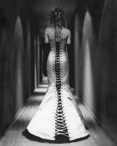 Robe de mariée corsetée