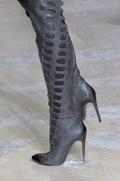 9fd837d42a0bd Tendance chausseurs   Jill Stuart Fall 2012 High Heel Boots