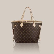Neverfull MM Monogram Canvas Legendary Neverfull: always exactly what you need it to be. Capacious but not bulky, structured yet supple, at home on the town or in the country. Cinch the side laces, and voilà! it's a sleek city bag. Loosen them and you have a chic, practical tote. The slim leather handles fit over the shoulder or on the arm. Shown here in signature Monogram canvas.