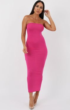df156634fda2 Stay classy and stylish in our pink bandeau bodycon midi dress. This is  perfect to