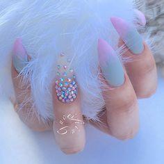 Gucci Fiina • Cotton candy (at Fiina Nail Lounge)