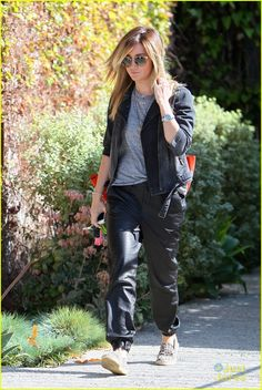Ashley Tisdale Says Goodbye to Shirley Temple | ashley tisdale lecompte salon round two 05 - Photo