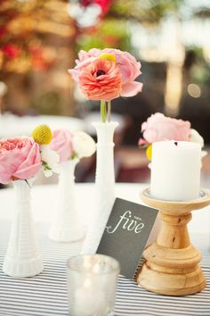 Simple, yet stylish centerpieces Photography By / http://mailelaniphotography.com