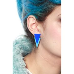 Blue earring for geometrical summer.