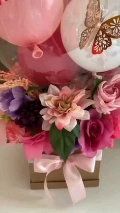 Balloon Centerpieces, Balloon Decorations Party, Birthday Decorations, Flower Decorations, Candy Bouquet Diy, Balloon Bouquet, Balloon Gift, Balloon Garland, Flower Box Gift