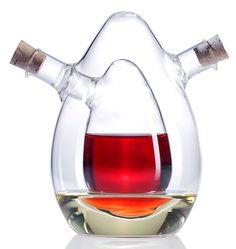 2in1-Essig- und Öl-Spender aus Glas. Jetzt wird der Essig- und Öl-Spender auf Ihrem Tisch zum Blickmagneten. Nehmen Sie Essig und Öl, das farblich kontrastreich ist, beispielsweise Chili-Öl und Kräuter-Essig oder Olivenöl und dunklen Balsamico!