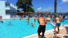 #Aqua #Gym Beach Resorts, Hotels And Resorts, Animation Programs, Activities For Adults, Water Polo, Young People, How To Memorize Things, Aqua, Gym