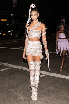 The 52 Best Celebrity Halloween Costumes of 2016 Chanel Iman Halloween Outfits, Halloween Diy Kostüm, Badass Halloween Costumes, Couple Halloween, Halloween Makeup, Women Halloween, Mummy Makeup, Halloween 2017, Barbie Halloween Costume