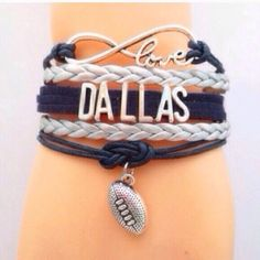 Dallas Cowboys Great bracelet to wear on game day or while tailgating. This bracelet measures about 7 inches plus it has an additional chain extender on the back. New in package. Price is firm unless bundled. Jewelry Bracelets