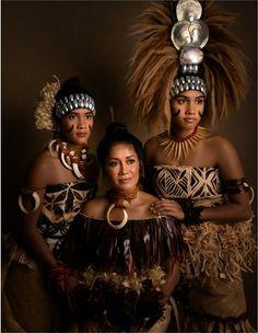 Island Style Clothing, Polynesian Art, Hula Dancers, Body Adornment, Island Girl, Traditional Dresses, Slay, Proposal, Family Photos