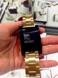 The Pebble what does this smart watch actually do?