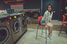 Sesja zdjeciowa w pralni samoobsługowej