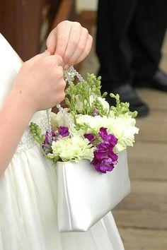A cute flower girl boquet idea Flower Girl Bouquet, Flower Girl Basket, Flower Girl Dresses, Flower Girls, Wedding With Kids, Our Wedding, Dream Wedding, Bride Bouquets, Bridesmaid Bouquet
