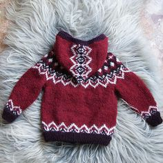 triscote& Icelandic children& cardigan - Barnapeysa is often presented in off-white and brown… a little messy isn& it? This red version really puts the model in value, I& happy with the result. I knitted it # 82 … - Knitting For Kids, Knitting For Beginners, Knitting Designs, Knitting Projects, Boy Crochet Patterns, Pull Bebe, Icelandic Sweaters, Baby Sweaters, Kind Mode