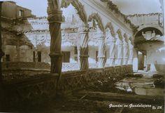 Incendio del Palacio del Infantado, tras el bombardeo sufrido el 6 de diciembre de 1936.  Si queréis contactar con Guiados, para gestionar visitas a Guadalajara o su provincia, lo podéis hacer a través del formulario de contacto de la web www.guiadosenguadalajara.es o ✆ 679 97 65 03.