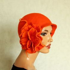 Orange hat Felted hat with brooch Felt hat Cap felted 1920s hat Gatsby style hat Merino wool Retro hat Retro cap