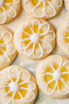 Lemon-Lime Shortbread Thumbprint Cookies – a Lime infused Shortbread Cookie filled with homemade Lemon Curd and topped with a simple Lime Icing – a bright summer treat! Shortbread Thumbprint Cookies Recipe, No Bake Cookies, Yummy Cookies, Cake Cookies, Cookies Et Biscuits, Homemade Cookies, Lemon Desserts, Lemon Recipes, Cookie Desserts