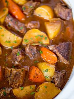 Slow Cooker Beef Bourguignon - Dinner, then Dessert Slow Cooker Roast Beef, Roast Beef Recipes, Slow Cooker Recipes, Easy Cabbage Soup, Cabbage Soup Recipes, Cabbage Casserole, Instant Pot, Beef Bourguignon, Roast Dinner