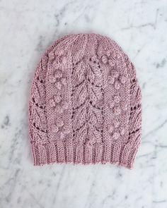 Ravelry: Laurel Hat-Muster von Lauren Rad , Ravelry: Laurel Hat pattern by Lauren Rad , I got thi. Crochet Beanie, Knit Crochet, Crochet Hats, Knitted Hats Kids, Knit Hats, Pijamas Women, Knitting Patterns, Crochet Patterns, The Bucket List