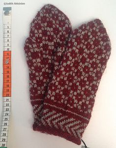 Knitted Mittens Pattern, Knit Mittens, Knitted Gloves, Knitting Patterns, Knitting Accessories, Knitting Projects, 9 And 10, Knit Crochet, Diy Crafts