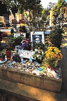 Serge Gainsbourg's grave at Cimetière du Montparnasse (Montparnasse Cemetery)…