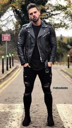 Men's jackets are a crucial part of each and every man's set of clothing. Men need to have outdoor jackets for a variety of occasions and several weather conditions. Great Stylish Men's Jacket. Suit Fashion, Mens Fashion, Stylish Men, Men Casual, Black Outfit Men, Leather Jacket Outfits, Leather Jackets, Hommes Sexy, Mens Clothing Styles